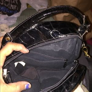 Bags - Black patent crossbody cute bag👜💙💋👍🏼🎈